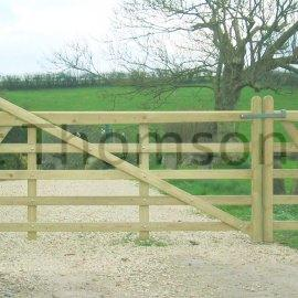 Estate (Horned) Five Bar Gate (Green)